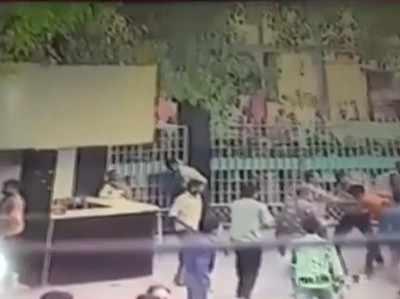 बिहार: बच्चों की मौत के खिलाफ प्रदर्शन कर रहे माता-पिता के खिलाफ एफआईआर