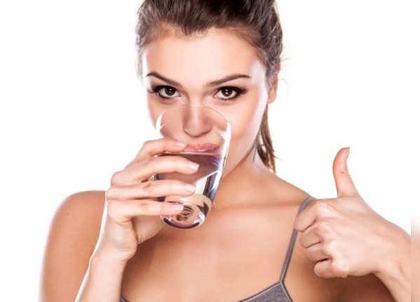 एनर्जी ड्रिंक नहीं पानी पिएं