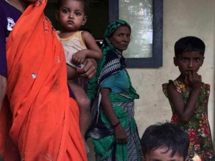 हिंदुओं ने अपने मकान बेच दिए