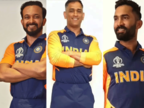 वर्ल्ड कप: नई जर्सी में कैसी लग रही है टीम इंडिया, देखिए तस्वीरें