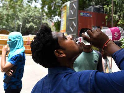 दिल्लीवासियों का गर्मी से हाल बेहाल