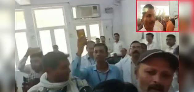 मुरादाबाद: सीएम योगी के हॉस्पिटल का जायजा लेने के दौरान वॉर्ड में बंद किए गए पत्रकार, प्रशासन की सफाई