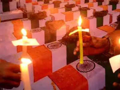 पुलवामा शहीदों के लिए देश ने दिखाई एकजुटता
