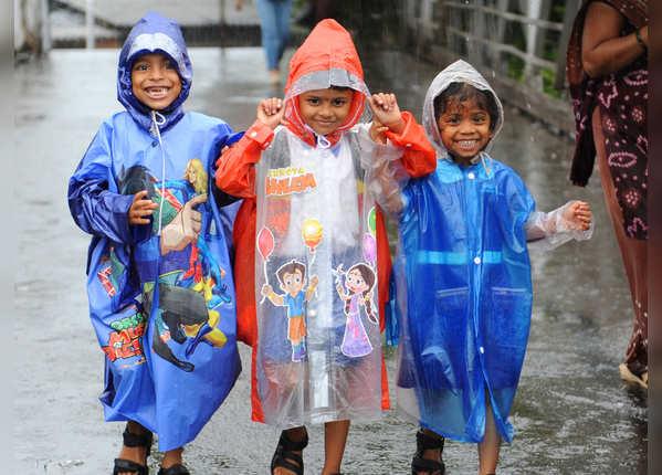 बारिश के बीच मुस्कुराती दिखी मुंबई