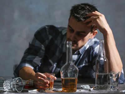 दूसरों को नुकसान पहुंचाती है आपकी शराब की लत