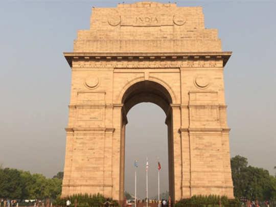 फॅक्ट चेक: इंडिया गेटवर ६१ हजार मुस्लिम स्वातंत्र्यसैनिकांची नावं?