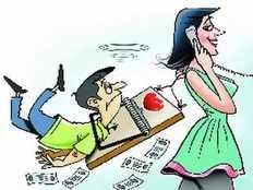 हनीट्रैप: पैसेवाले व्यापारियों को ऑनलाइन फंसाते थे, महिला समेत 3 पकड़े गए