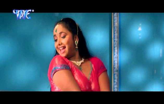 देखें, भोजपुरी गाने पर रानी चटर्जी का नागिन डांस