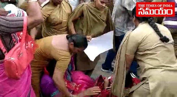kodandaram arrested for begging at charminar over inter students suicides