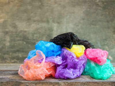 प्लास्टिक पर है प्रतिबंध