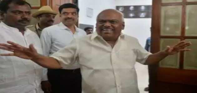 कर्नाटक: सरकार को मिली मोहलत, विधायकों पर अगले 6 दिनों में फैसला लेंगे स्पीकर