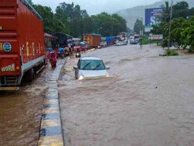हवाबाजी: बरसाती गड्ढे में गिरा, मुंबई से चेन्नई पहुंचा