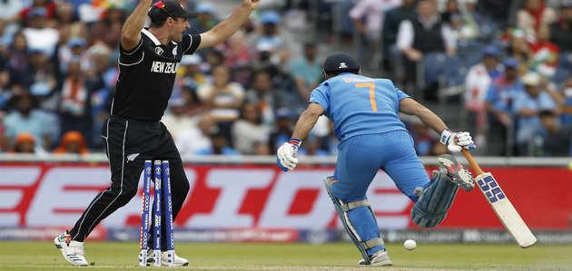 World Cup 2019: ICC ने धोनी को रन आउट किया शेयर, फैंस को आया गुस्सा
