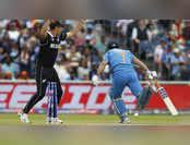 World Cup 2019: ICC ने धोनी का रन आउट किया शेयर, फैंस को आया गुस्सा