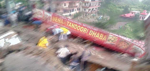 सोलन हादसा: अब तक 17 जवानों के साथ 9 नागरिकों को बचाया गया