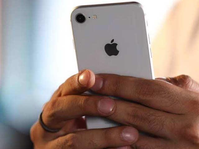 Apple के चार पॉप्युलर iPhone भारत में बिकने बंद, ऑनलाइन भी खत्म हो रहा स्टॉक