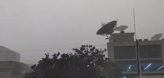 दिल्ली-एनसीआर में भारी बारिश, लोगों ने ली राहत की सांस
