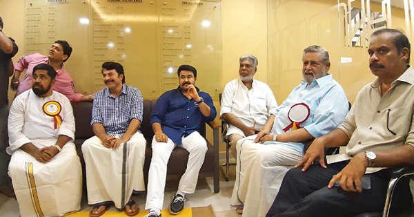 watch video actor madhu inaugurates kerala film producers association headquarters in kochi
