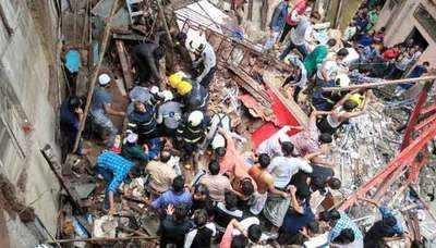 மும்பையில் இடிந்து விழுந்த நான்குமாடிக் கட்டடம்- 3 பேர் பலி, 7 பேர் படுகாயம் 201907161256326916_1_mumbai-building1-_l_styvpf