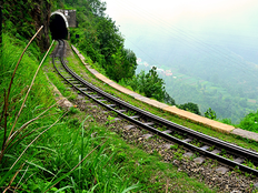 delhi to shimla trains guide for first time traveler