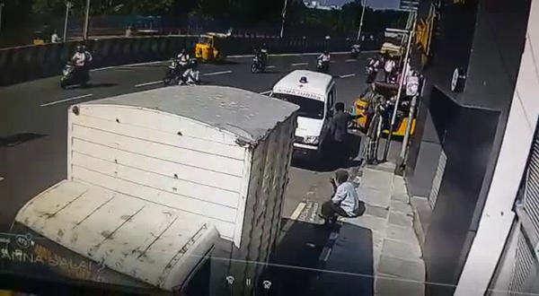 bus runs over bike in chennai 2 women die man injured