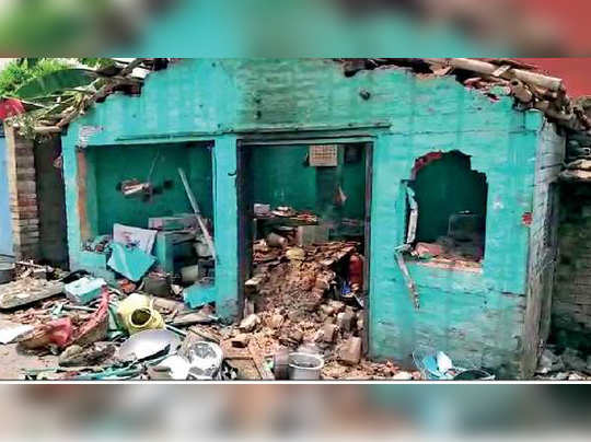 New and old BJP workers clash in Naihati