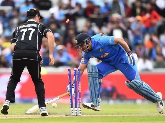 ms-dhoni-run-out