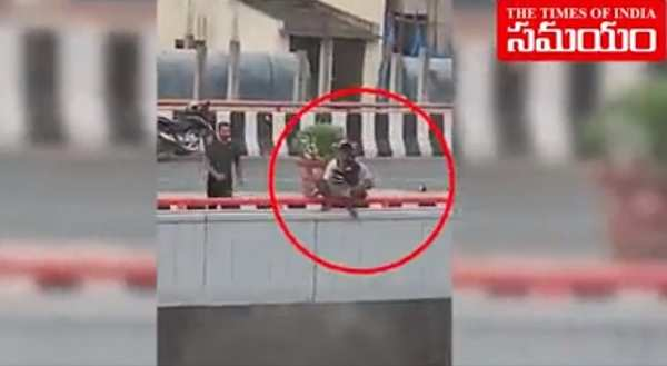 man suicide attempt on hyderabad flyover