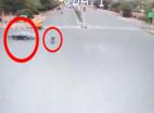 VIDEO: जयपुर के JDS सर्कल पर फिर खौफनाक दुर्घटना, कार ने स्कूटी वाले को उड़ाया