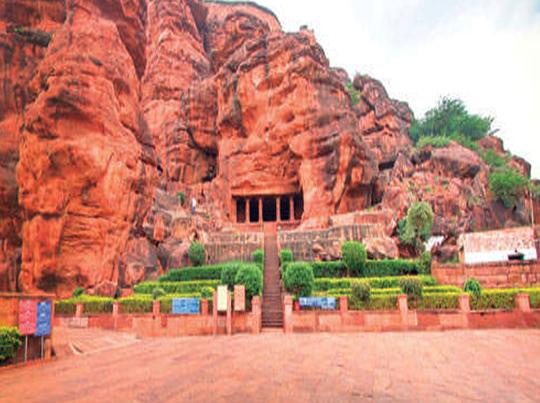 badami-caves