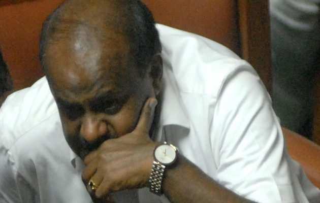 कर्नाटक संकट: स्पीकर ने शक्ति परीक्षण के लिए तय किया आज शाम 6 बजे का समय