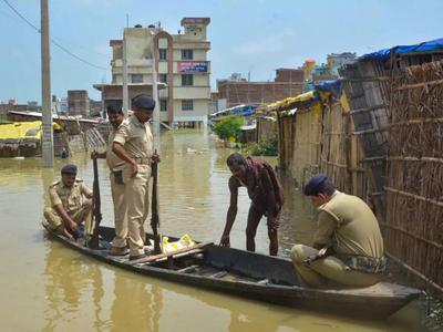 बिहार में बाढ़ का कहर जारी