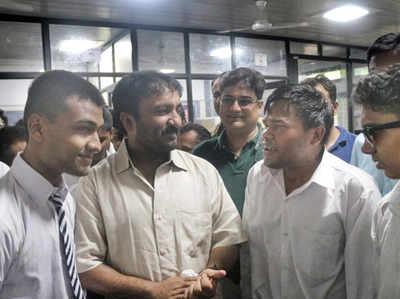 स्टूडेंट्स से मुलाकात के दौरान आनंद कुमार