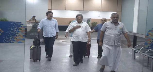 कर्नाटक: सरकार गठन पर अमित शाह से मिलने दिल्ली पहुंचा बीजेपी नेताओं का दल