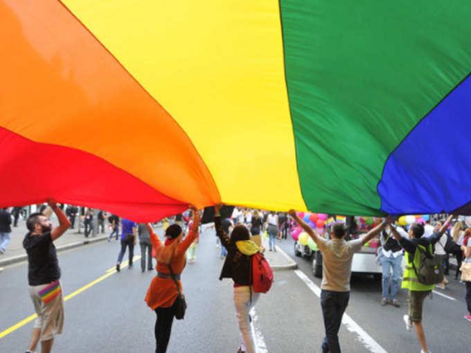 पैरंट्स से समलैंगिकता पर करें बात