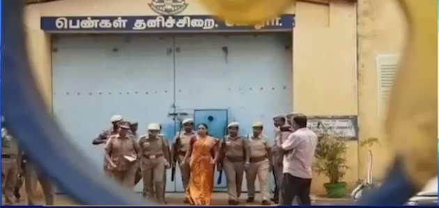 राजीव गांधी हत्याकांड में दोषी नलिनी को एक महीने की पैरोल