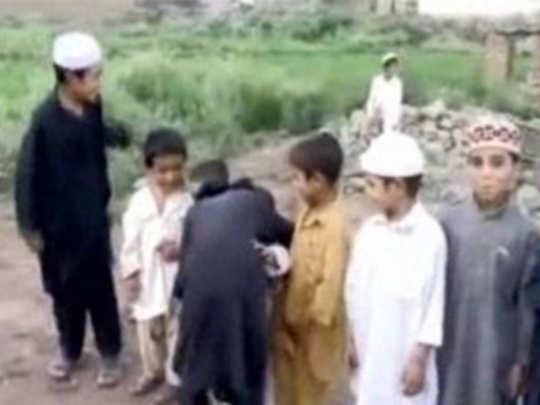 Fact Check: मुस्लिम मुलांचा सुसाइड बॉम्बिंगचा सराव?