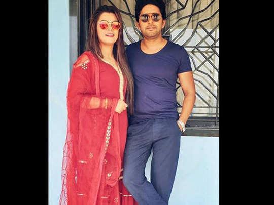 Nidhi-Jha-with-Yash-Kumar