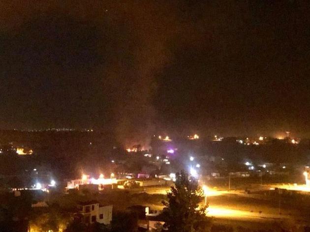 पाकिस्तान में विमान दुर्घटनाग्रस्त (फोटो साभार ट्विटर )