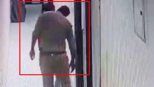 cop suspended for kissing woman while being in police uniform at firozabad hotel