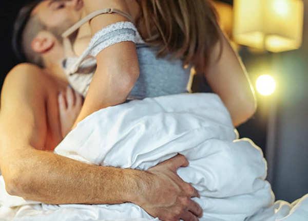 मेल पार्टर को खुश कर देगी सेक्स की यह नई तकनीक