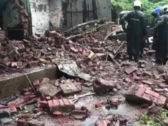 मुंबई: चांदिवलीत संरक्षक भिंत कोसळली, ३ जखमी