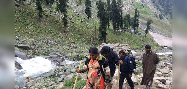 आतंकी खतरे की वजह से जम्मू-कश्मीर सरकार की तीर्थयात्रियों से घाटी से जल्द लौटने की अपील