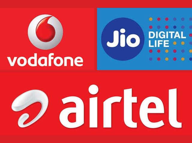 Jio vs Vodafone vs Airtel: ₹300 से कम में सबसे ज्यादा डेटा दे रहे हैं ये प्रीपेड प्लान