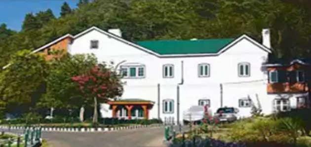 आर्टिकल 370: अब जम्मू-कश्मीर के पूर्व मुख्यमंत्रियों का छिनेगा सरकारी बंगला