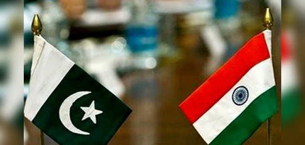 पाकिस्तान ने भारत के साथ कूटनीतिक संबंध को किया डाउनग्रेड, द्विपक्षीय व्यापार भी सस्पेंड