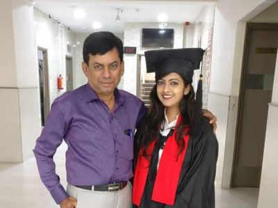 एक ही कॉलेज में पढ़ते हैं बाप और बेटी