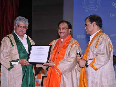 आईआईटी बॉम्बे के दीक्षांत समारोह के दौरान रमेश पोखरियाल निशंक