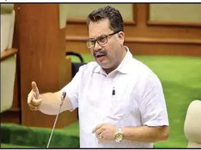गोवा के कानून मंत्री नीलेश काबराल