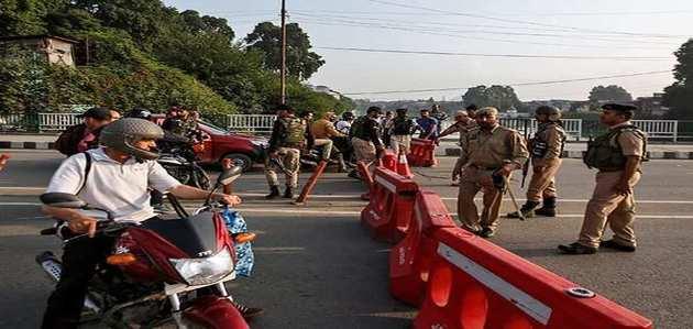 जम्मू-कश्मीर: ईद से पहले हर घर में पहुंचाया जा रहा है जरूरी सामान